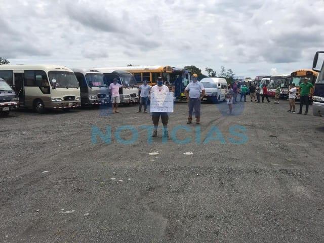 Transportistas esperan respuesta de Ministerio de Educación y Transportes