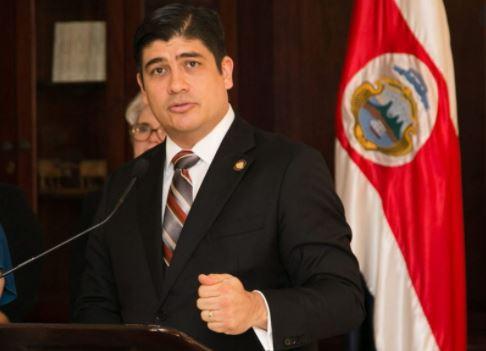 Presidente anuncia nuevas bajas en gabinete