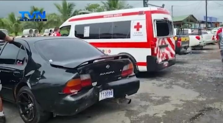 35 personas involucradas en triple colisión, solo 5 resultaron heridas en San Carlos