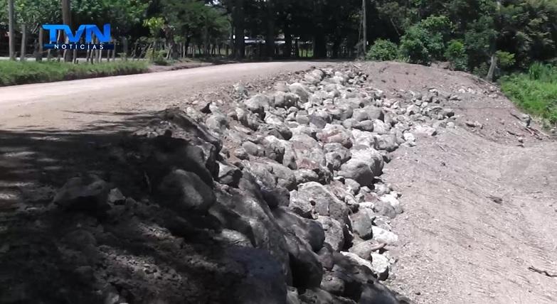 Intervienen caminos en Santa Cruz de Guanacaste
