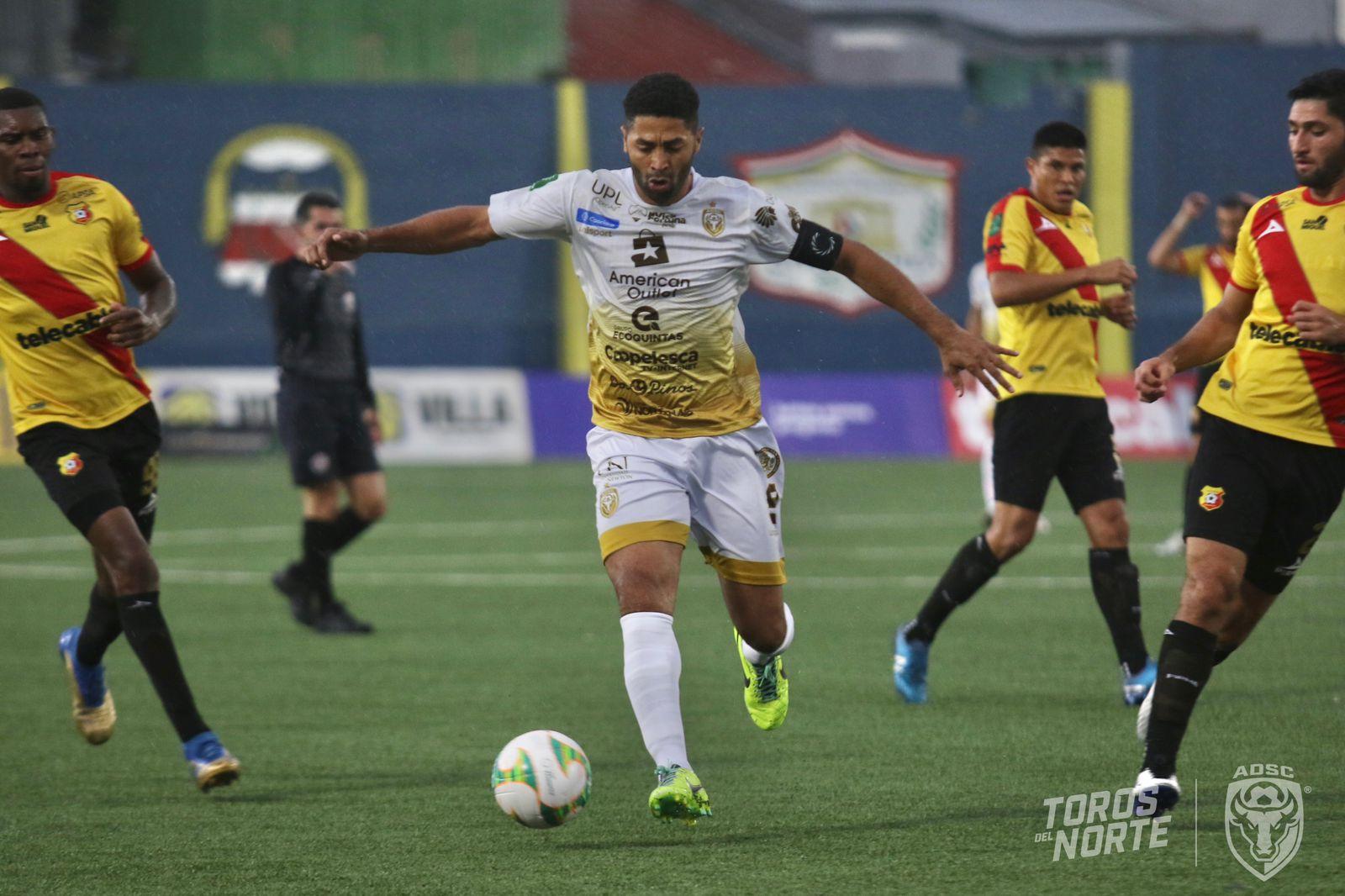 San Carlos suma 6 juegos sin ganar en el torneo.
