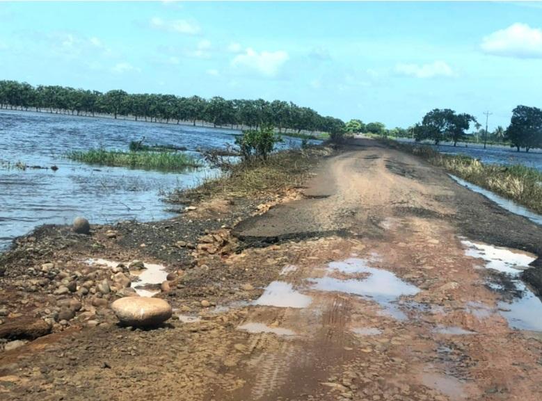 Vecinos de Caño Negro denuncian abandono de ruta dañada por las inundaciones