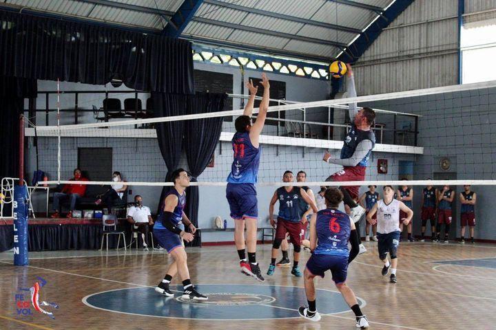 Voleibol de San Carlos logra su tercera victoria en el torneo.