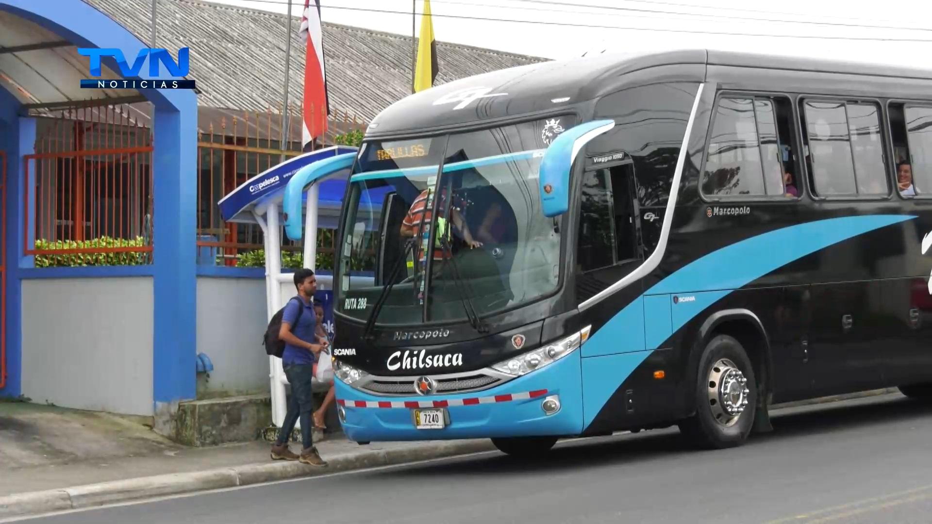 Pasajeros de autobús pagarán casi un 5% menos en las tarifas