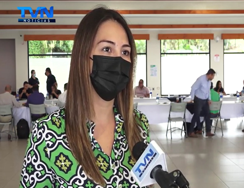 María José Corrales impulsa ley para que generadoras de electricidad y empresas, puedan comprar o vender energía