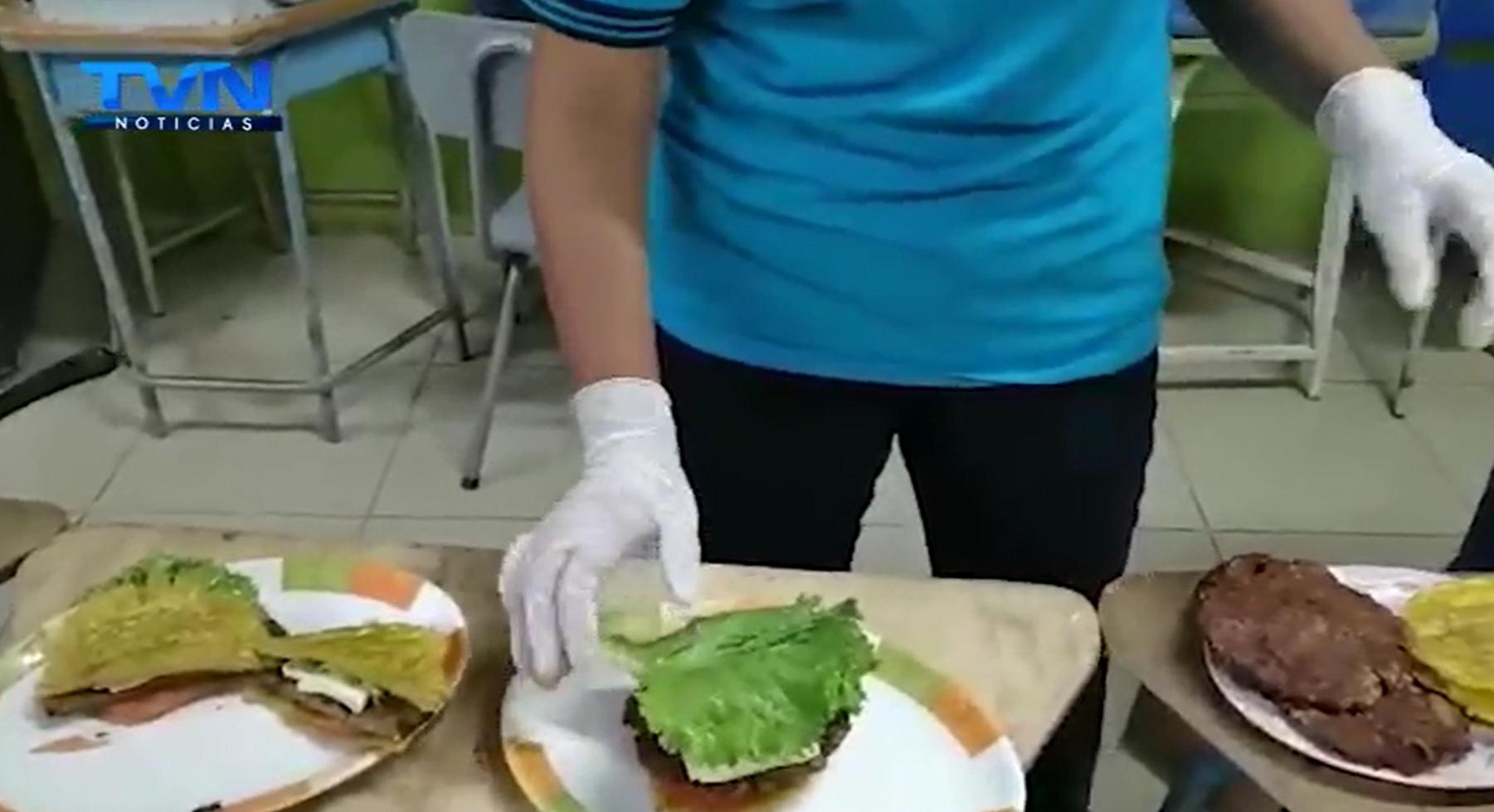 Plátanos y la Patacoburguesa son los emprendimientos que impulsan los alumnos del Liceo Boca Río San Carlos