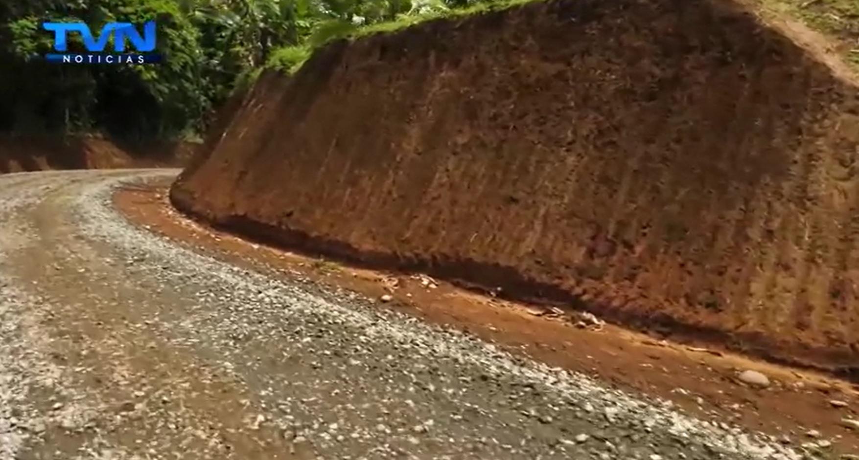 Habitantes de Monte Lirio de Río Cuarto se manifiestan agradecidos por la reparación de su principal ruta de acceso
